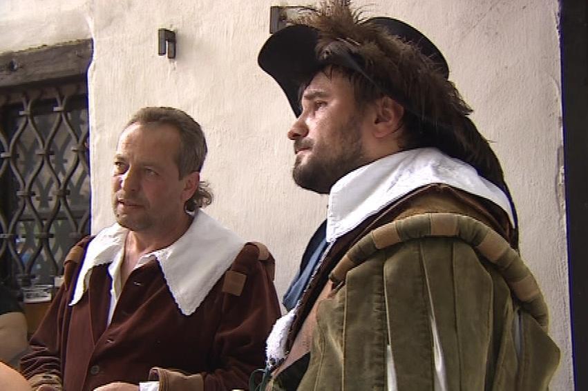 Majitelů historických kostýmů přibývá