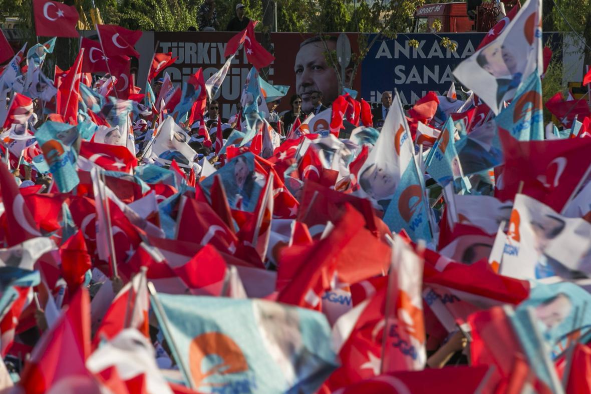Turci volili hlavu státu poprvé přímo