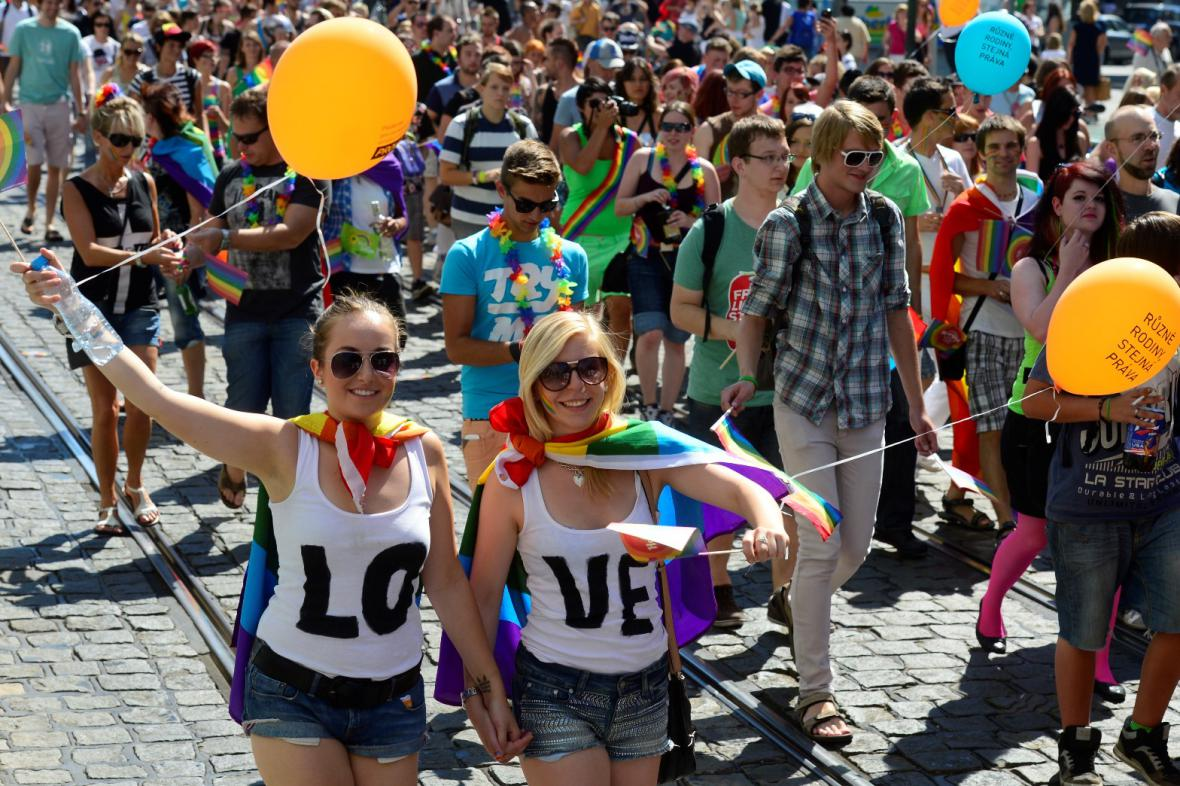 Pochod hrdosti jde Prahou