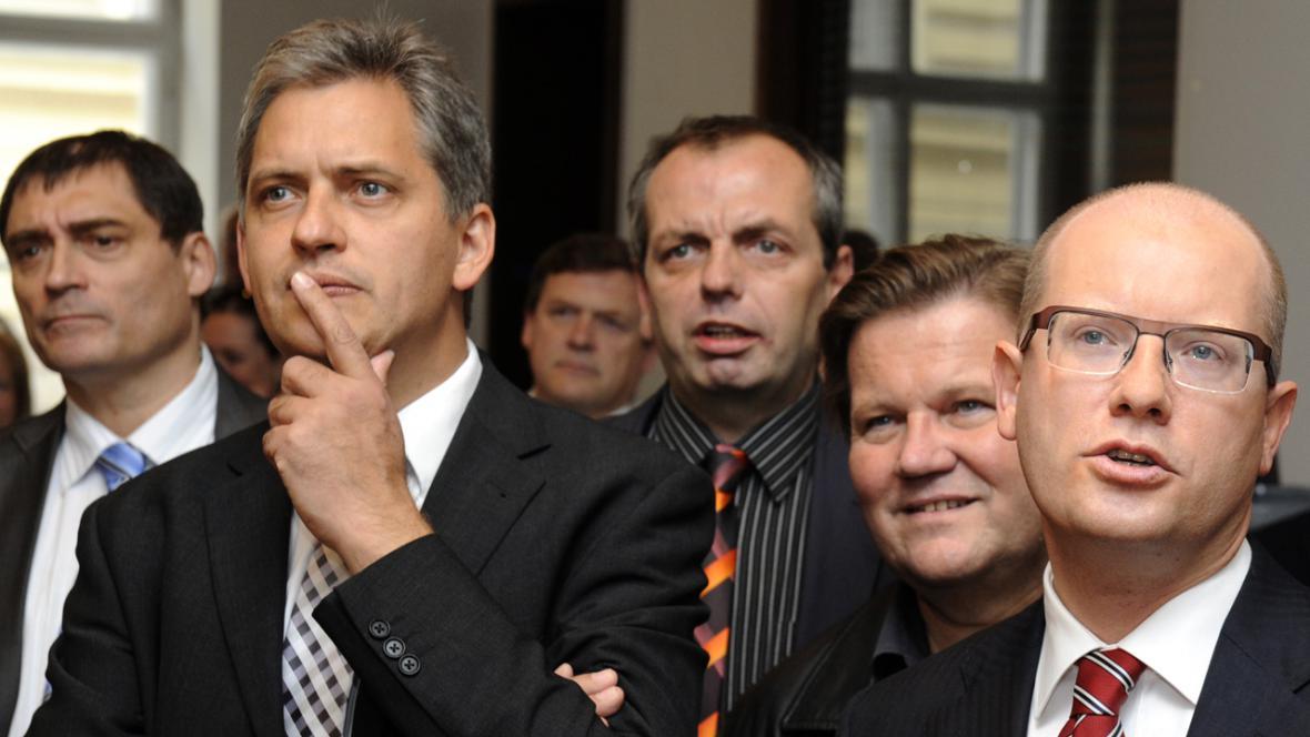 Sociální demokraté sledují výsledky voleb 2012