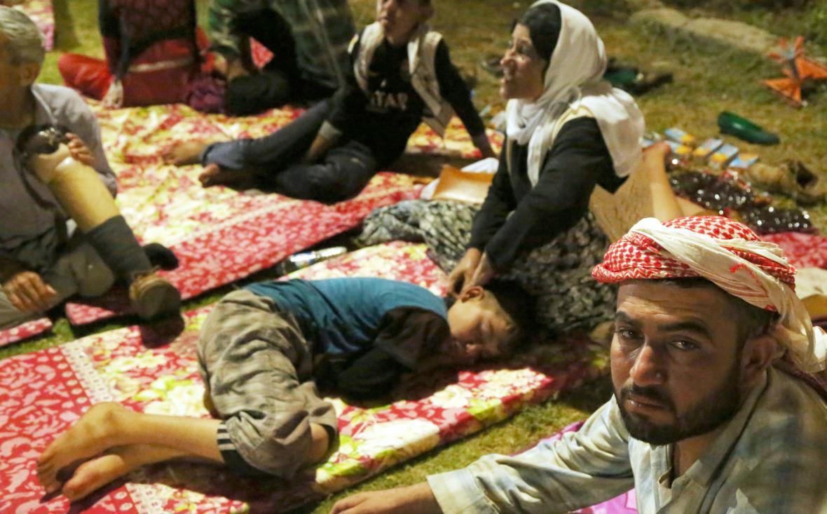 Jezídové v horách u Sindžáru