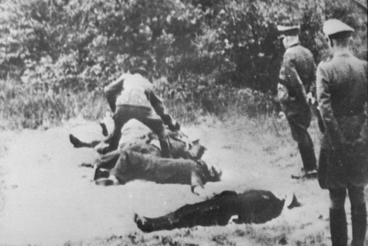 Gestapo popravuje