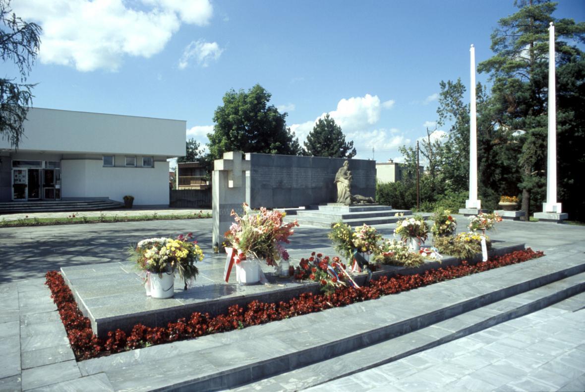 Památník životické tragédie