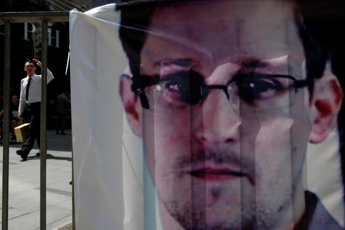 Transparent na podporu Edwarda Snowdena
