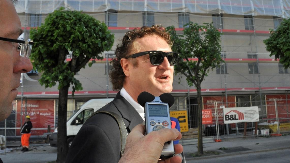 Obžalovaný Jiří Diviš přichází ke švýcarskému soudu