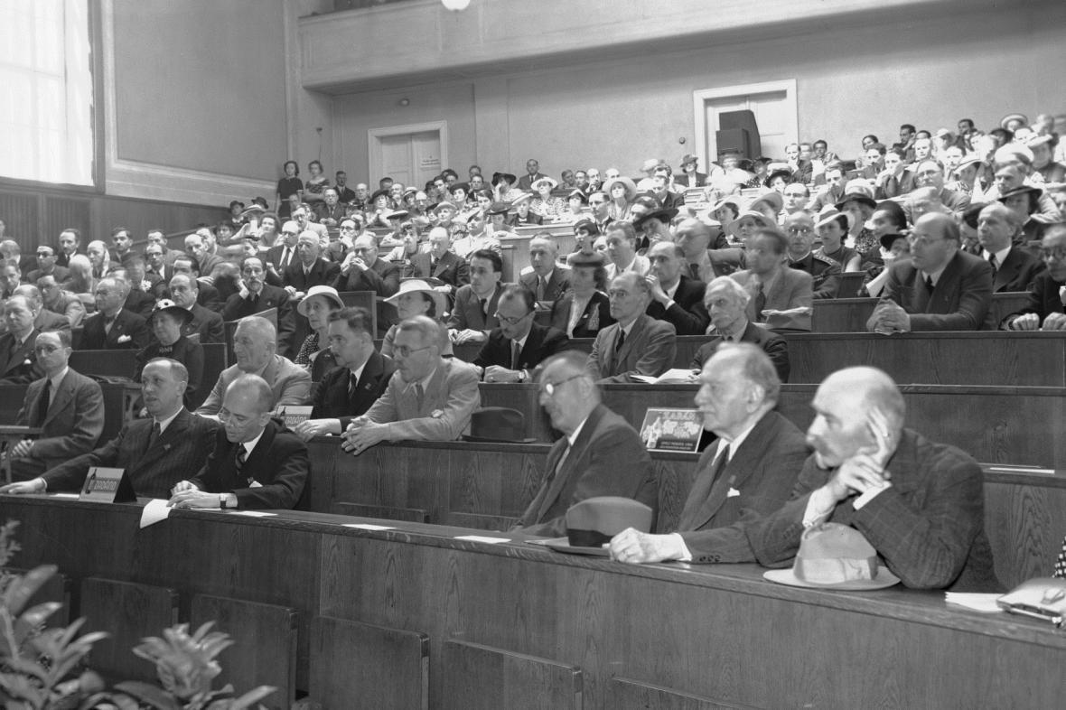 Zahájení mezinárodního kongresu PEN klubů v Praze (27.6.1938)
