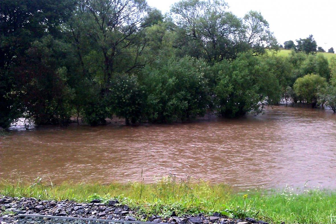 Rozvodněná řeka Svratka