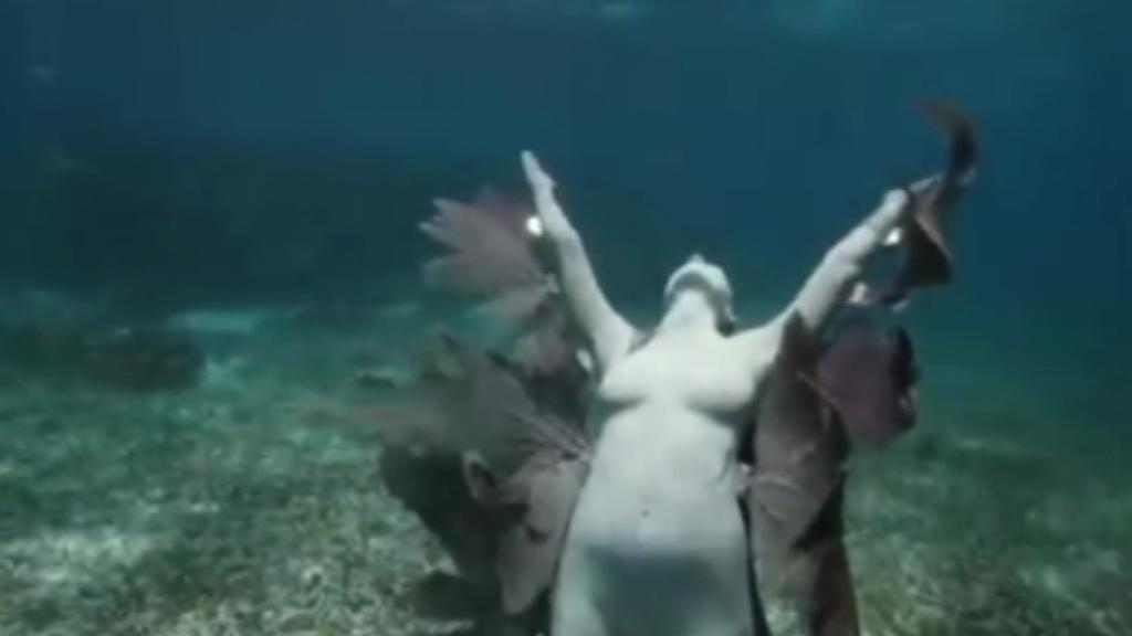 První podmořské výstaviště soch