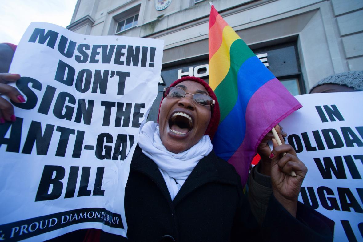 Protest proti podpisu antihomosexuálního zákona
