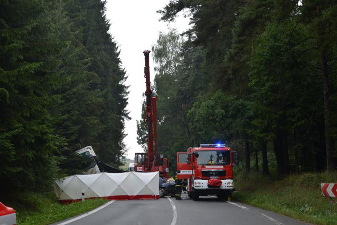 Nehoda na Pelhřimovsku, při níž zemřeli tři lidé
