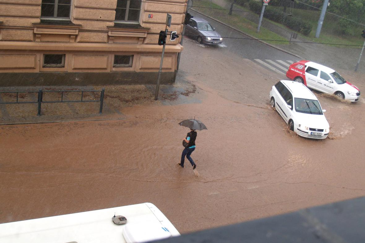 Zatopená Husova ulice v Brně