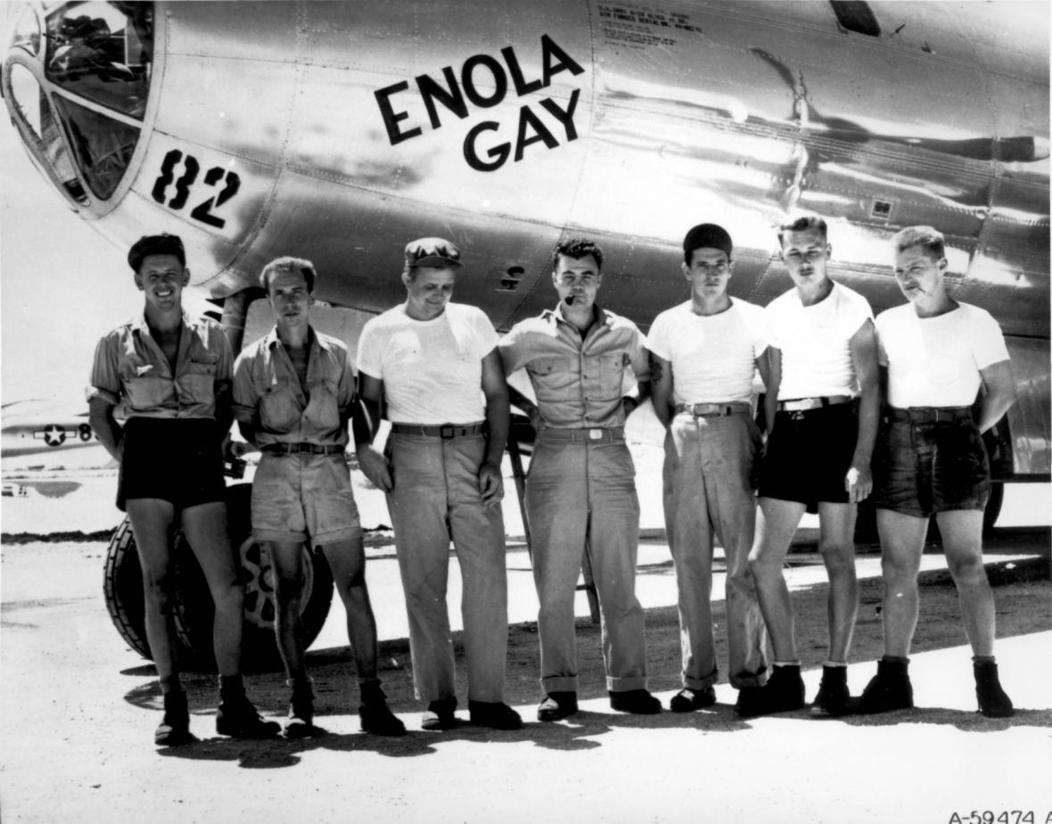Posádka bombardéru Enola Gay