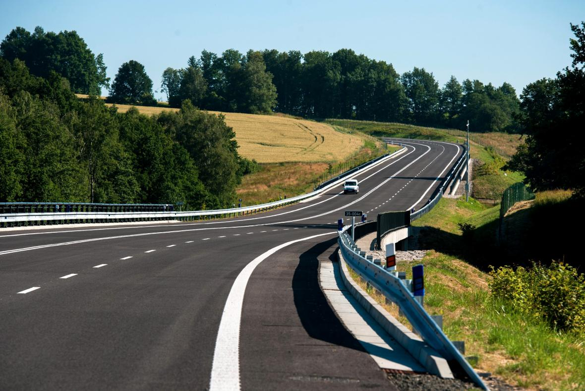 Silnice I/35 mezi Hrádkem nad Nisou a Bílým Kostelem