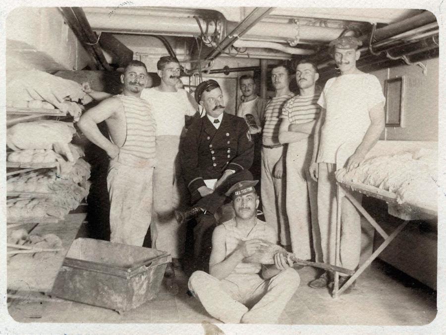 Čeští pekaři na bitevní lodi Tegetthoff