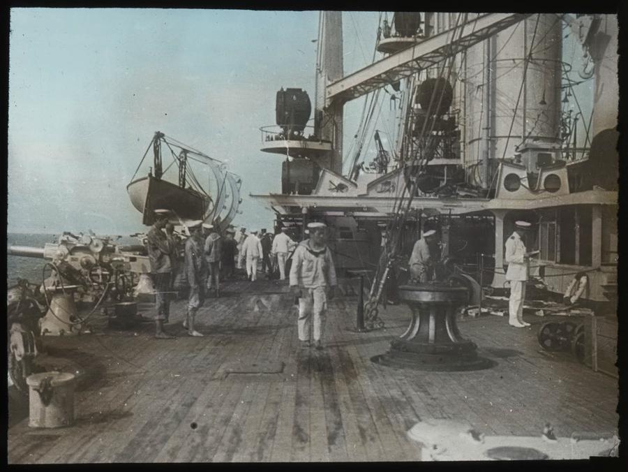 Na palubě bitevní lodi