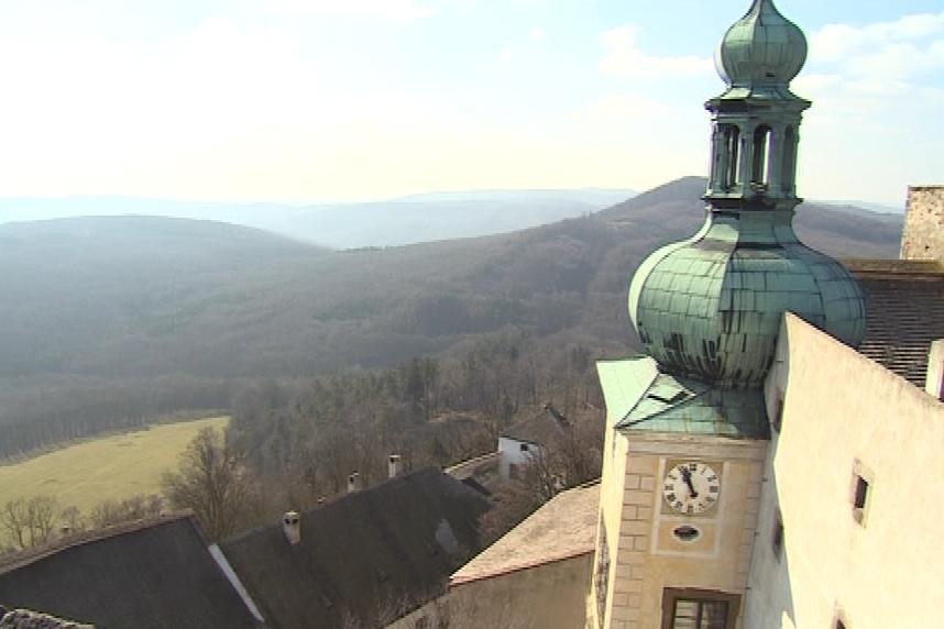 Pohled z buchlovského hradu