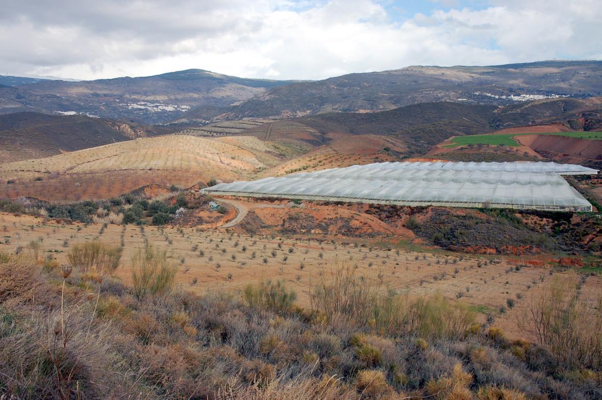 Španělsko pokryly plastové skleníky
