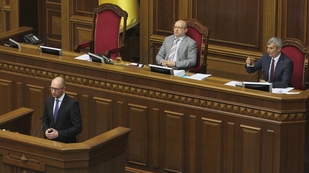 Odstupující premiér hovoří k parlamentu
