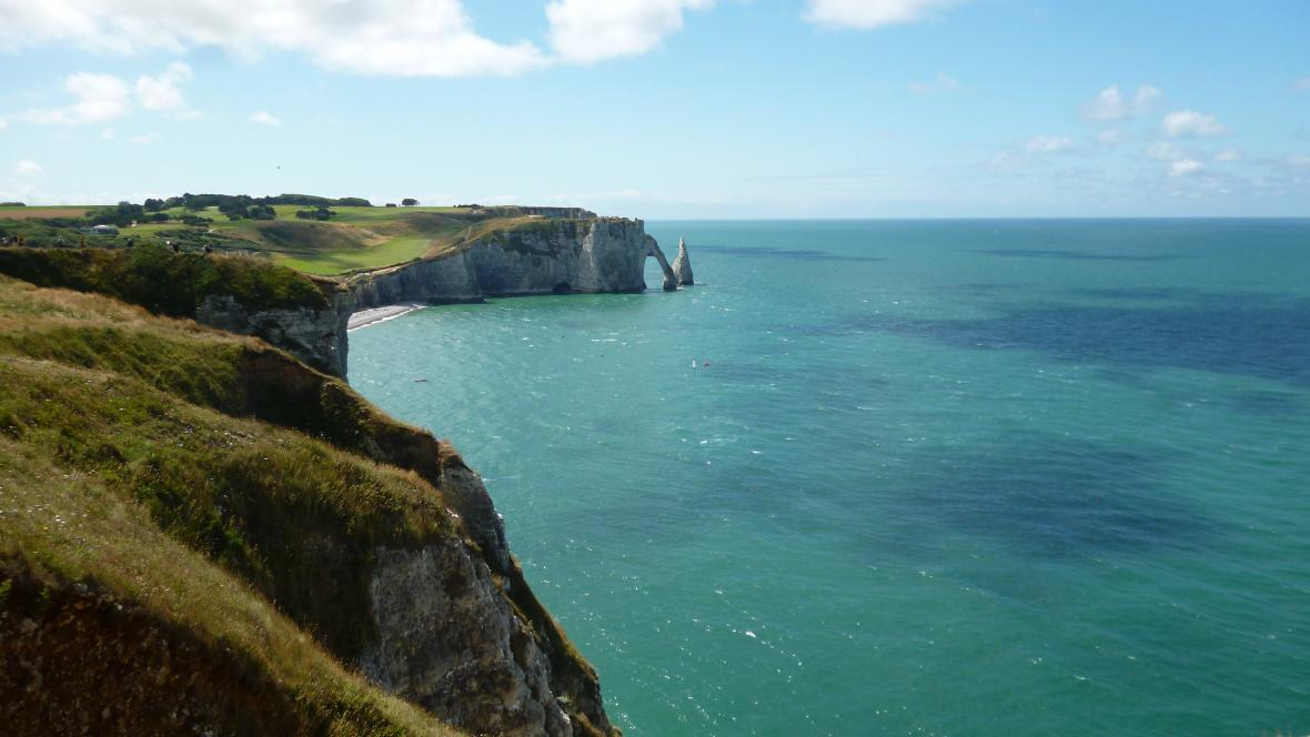 Normandské pobřeží u Étretatu