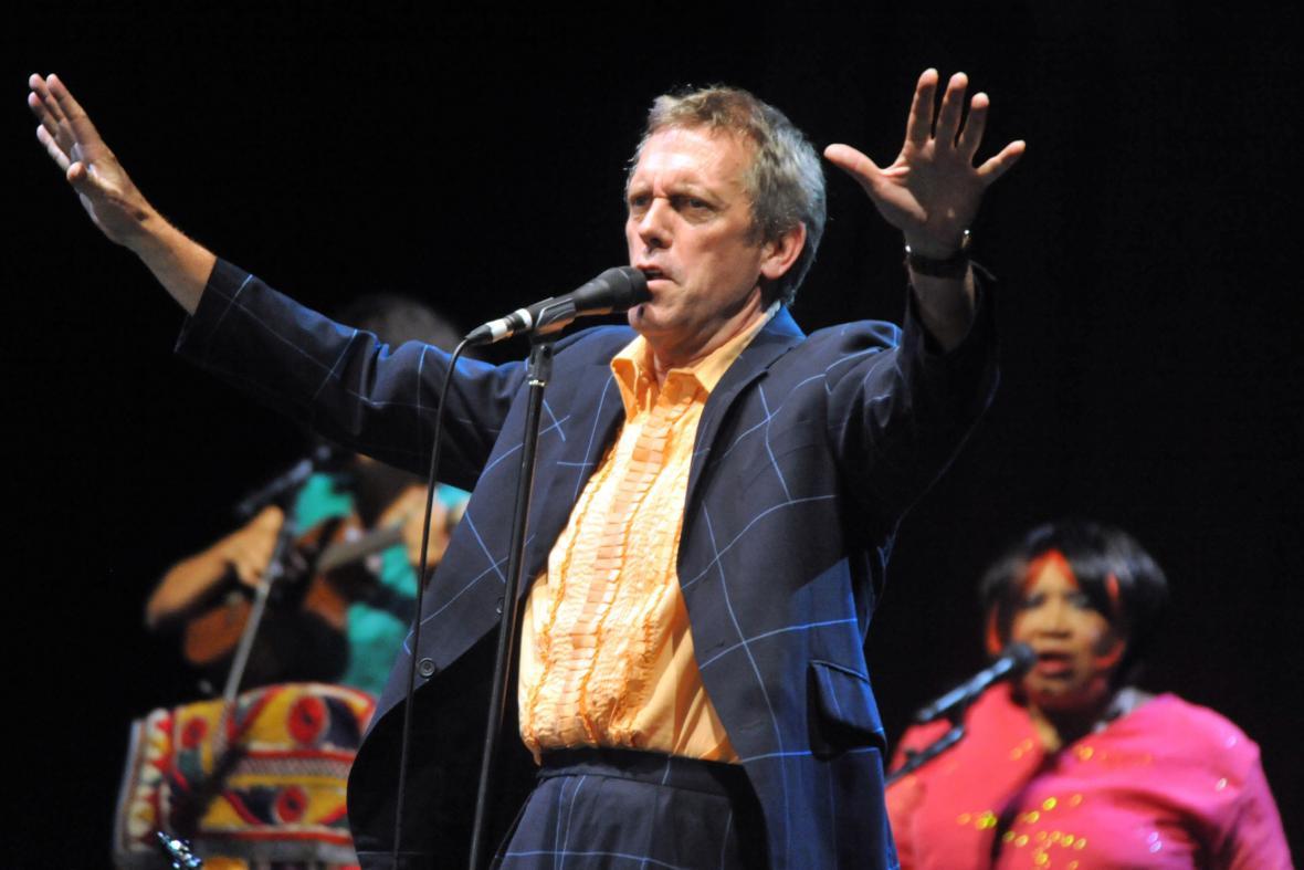 Hugh Laurie na brněnském koncertě