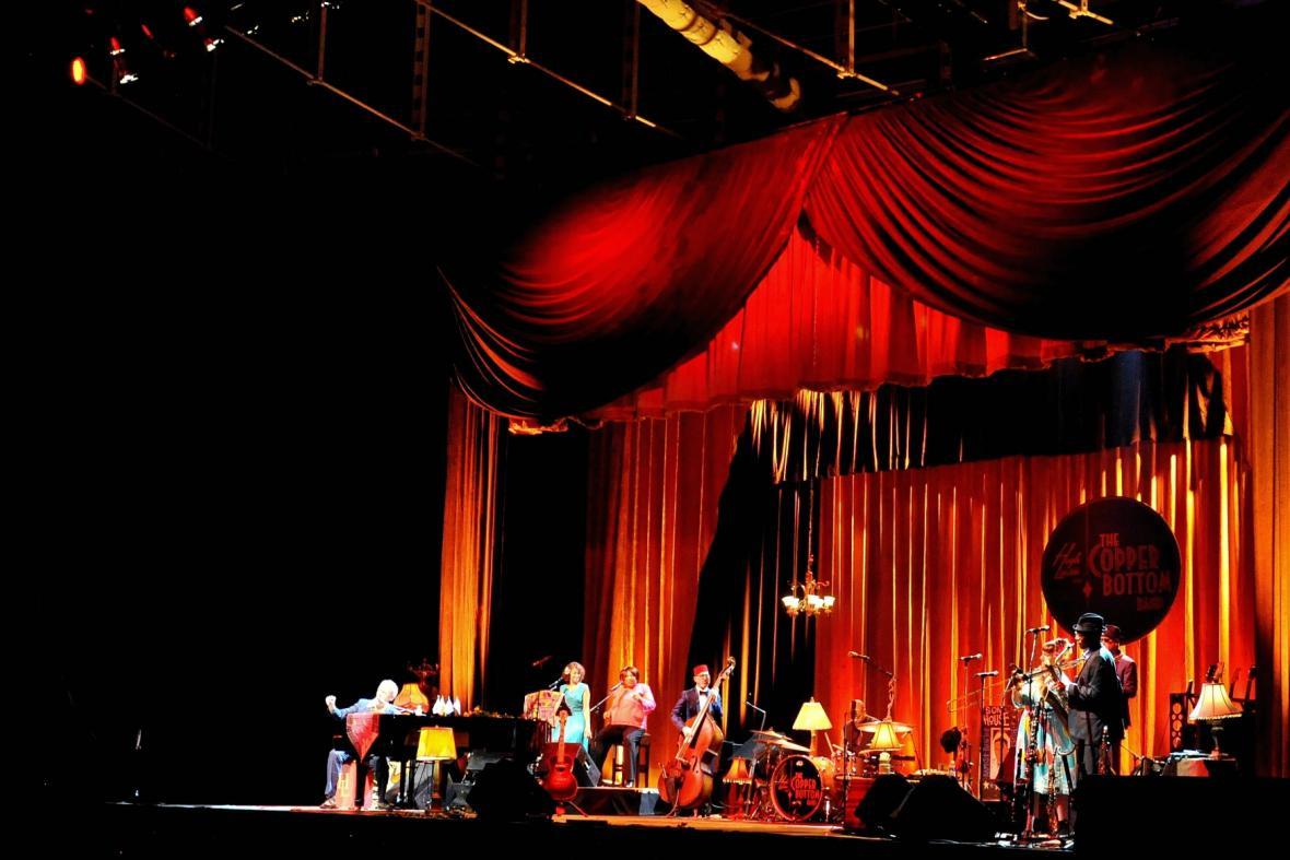 Koncert Hugha Laurieho