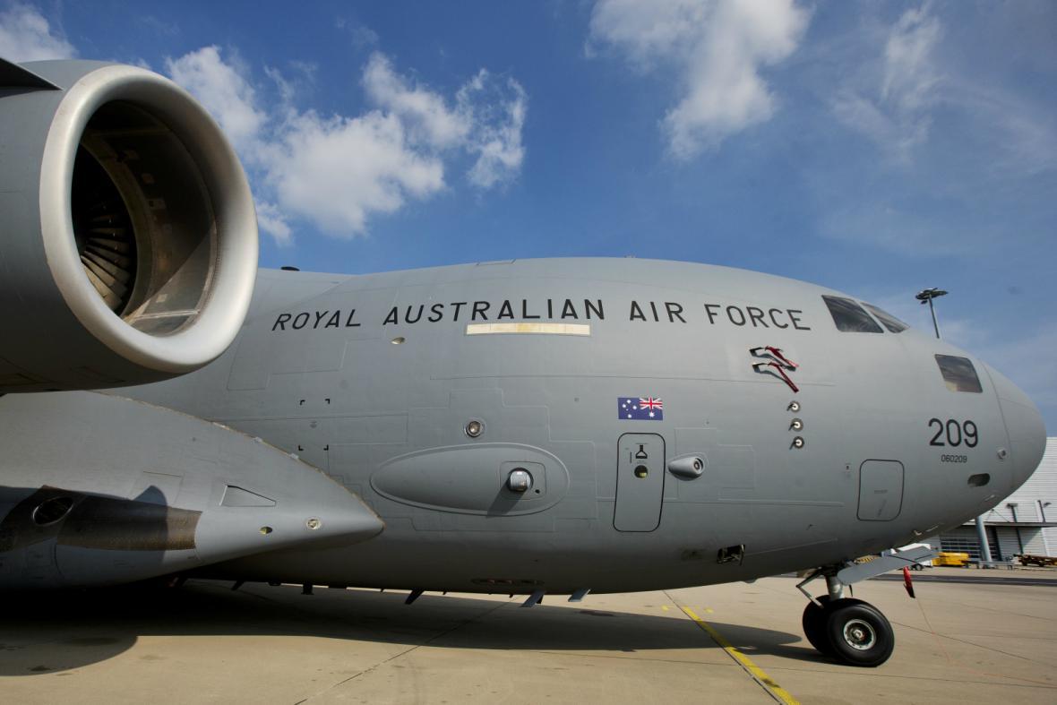 Těla obětí dopraví do Nizozemska australské letectvo