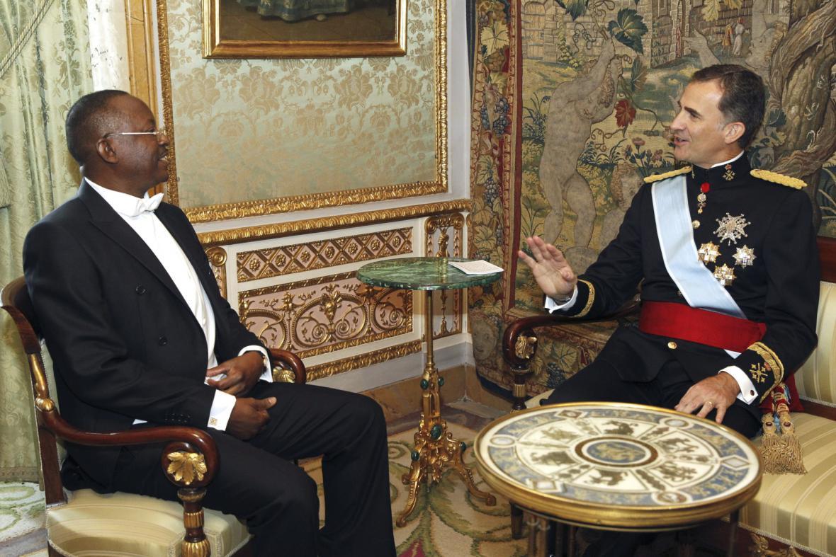 Filip VI. přijímá nové velvyslance