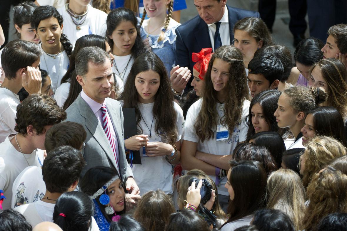 Filip VI. mezi studenty