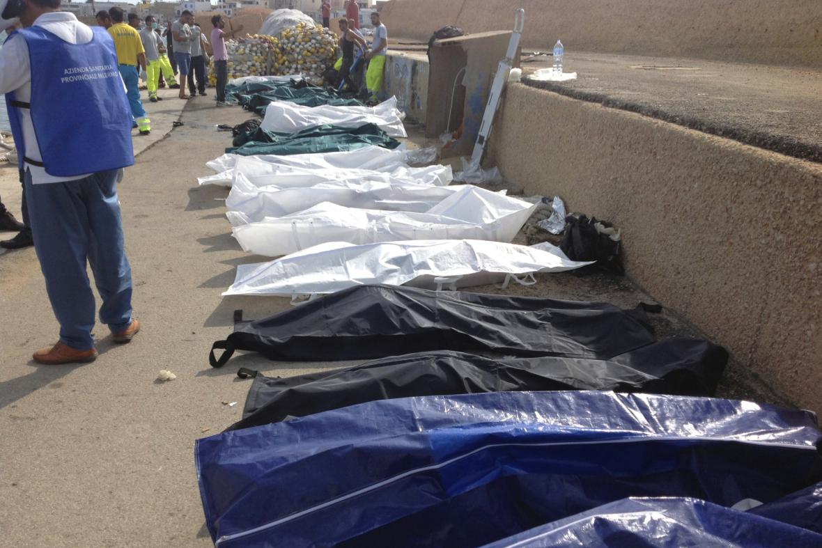 V říjnu 2013 si havárie u Lampedusy vyžádala 400 životů