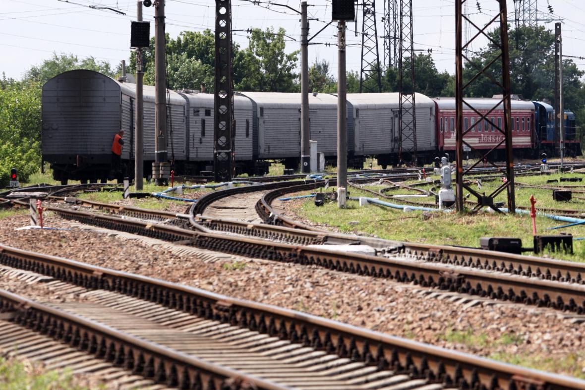 Vlak s ostatky obětí letu MH17