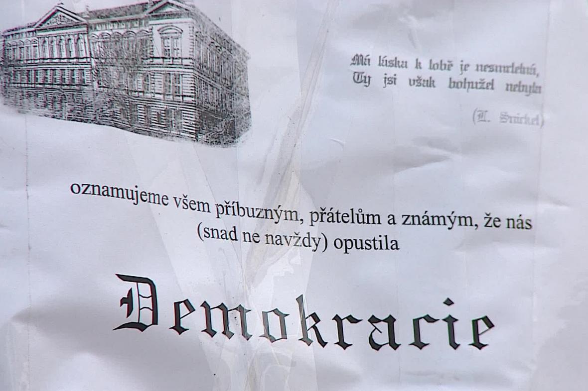 Protest studentů proti nátlaku na rektora VUT
