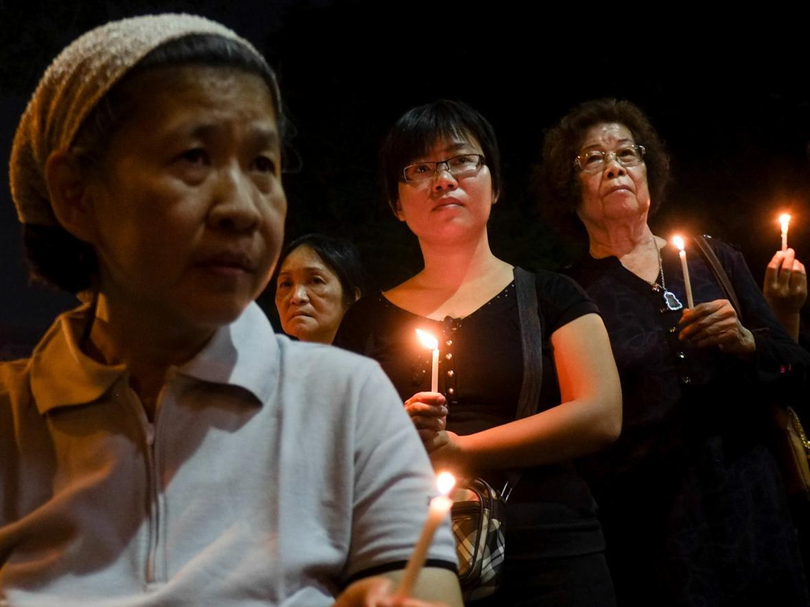 Smutek za oběti sestřeleného letadla MH17