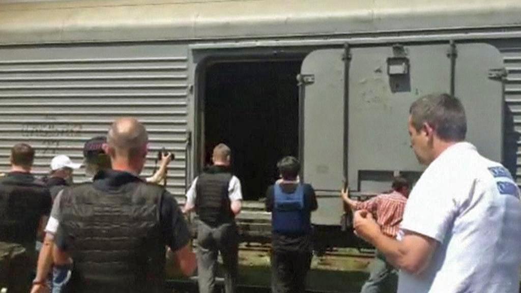 Chladírenské vagony s ostatky obětí z letu MH17