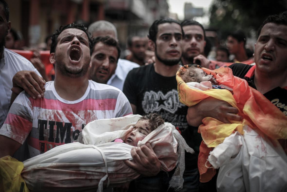 Pohřeb obětí bojů v Gaze