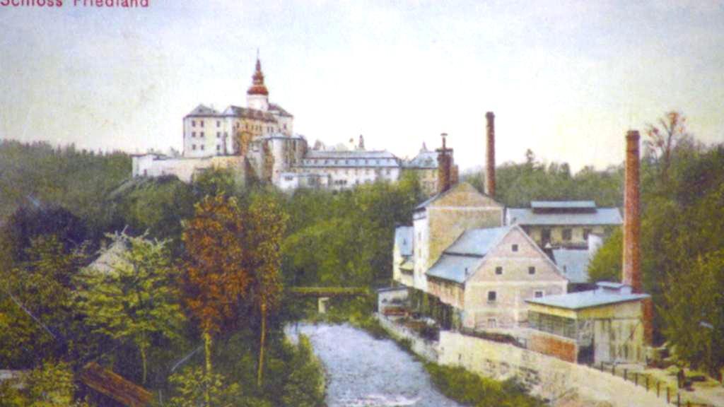 Stará pohlednice Frýdlantu – zámek a pivovar