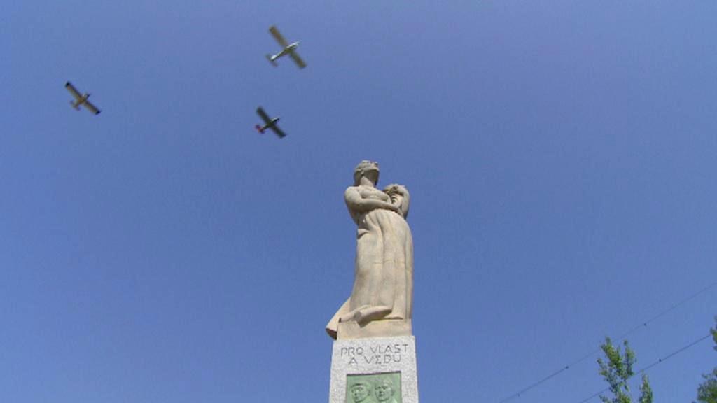 Hrdějovický letecký pomník