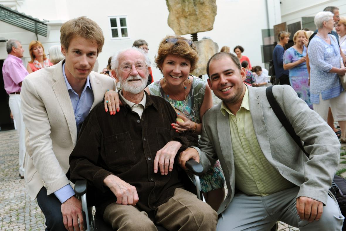 Výtvarník Zdeněk Smetana s rodinou