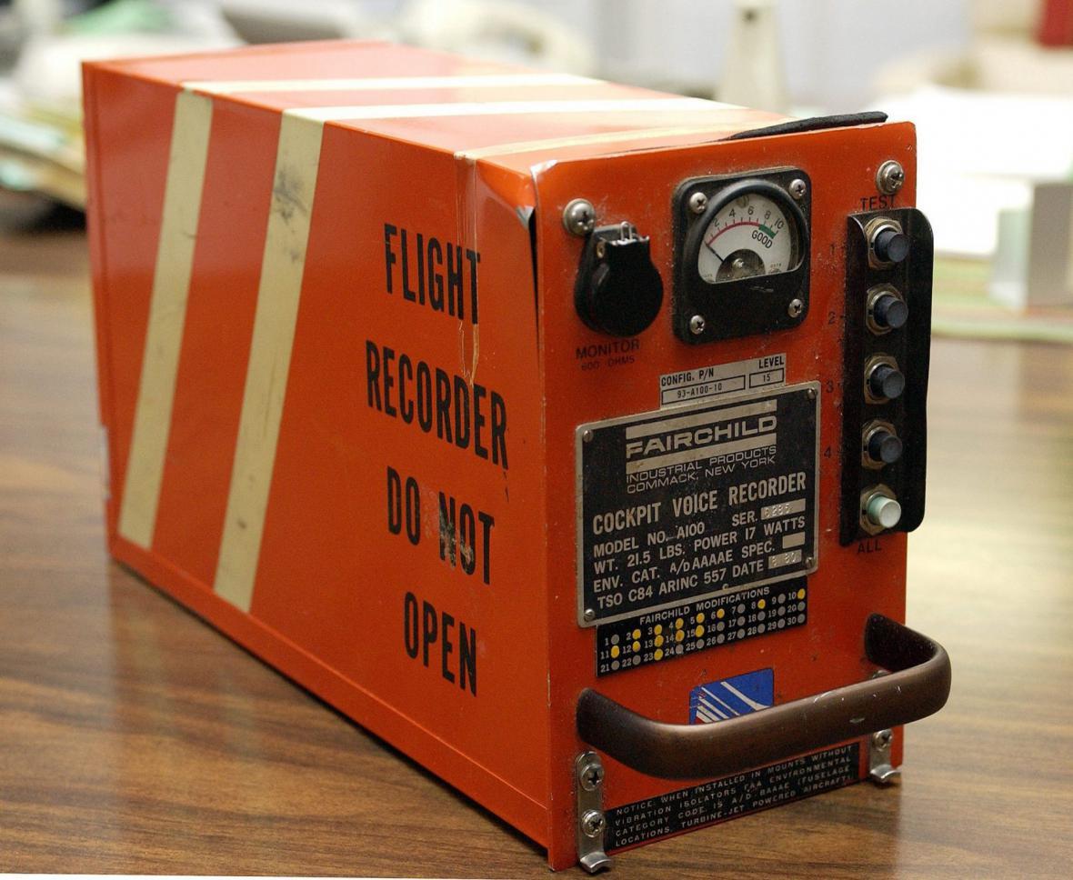 Černá skříňka pro záznam zvuku z pilotní kabiny