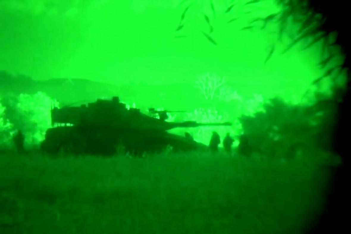 Izraelské tanky na úzémí Pásma Gazy