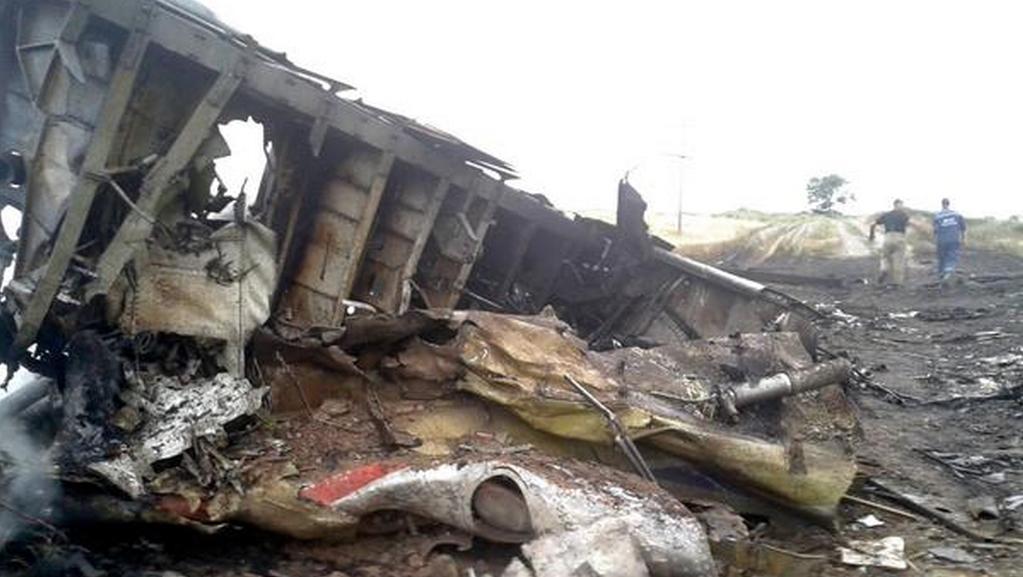 Trosky spadlého letadla nedaleko Doněcku