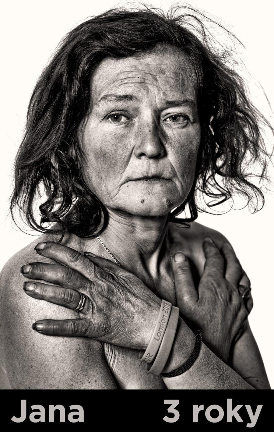 Z výstavy fotografií bezdomovců Tomáše Třeštíka Letenští