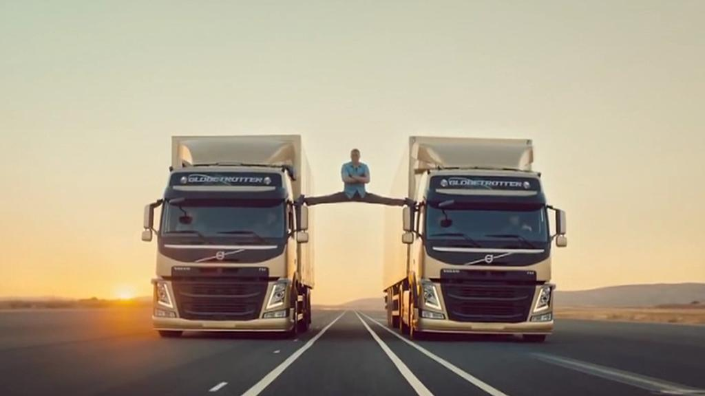 Van Damme udělal provaz mezi kamiony na letišti u Ciudad Real