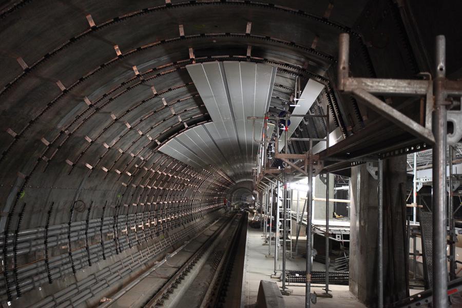 Rozestavěný úsek metra A Dejvická - Motol