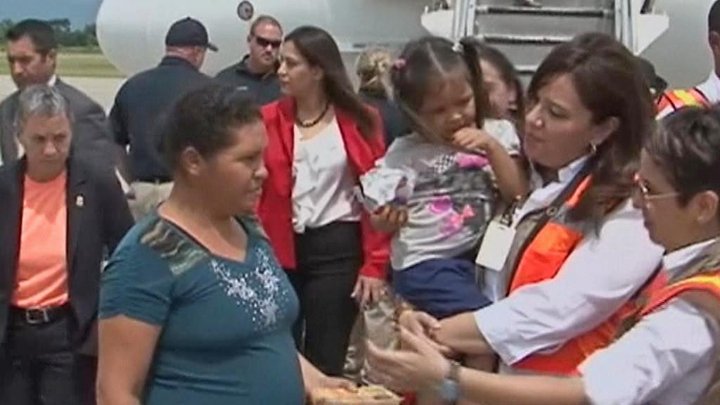 V Hondurasu přistálo první letadlo s imigranty, které USA vrátily domů