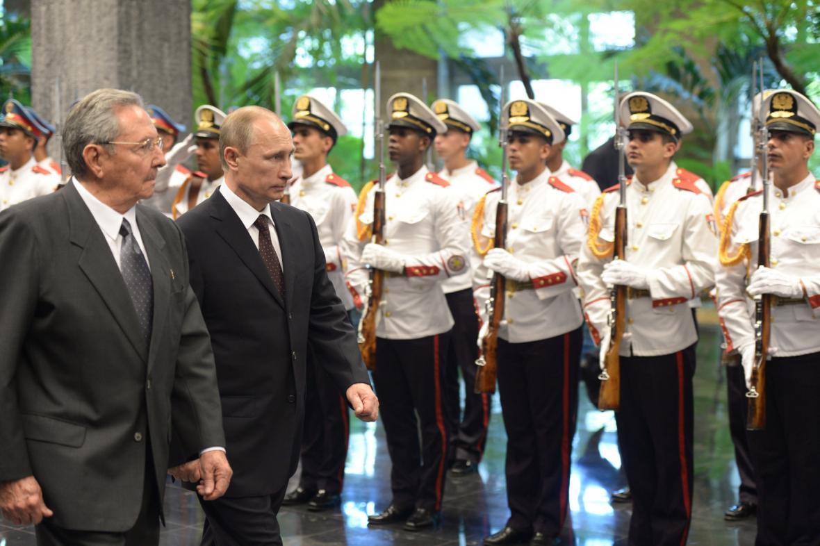 Raúl Castro a Valdimir Putin