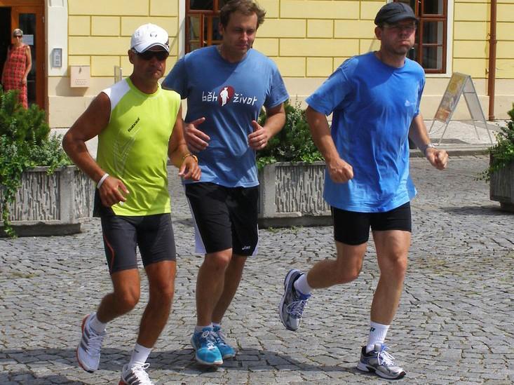 Mirek Kalina (vlevo) při loňském doběhu do Loun