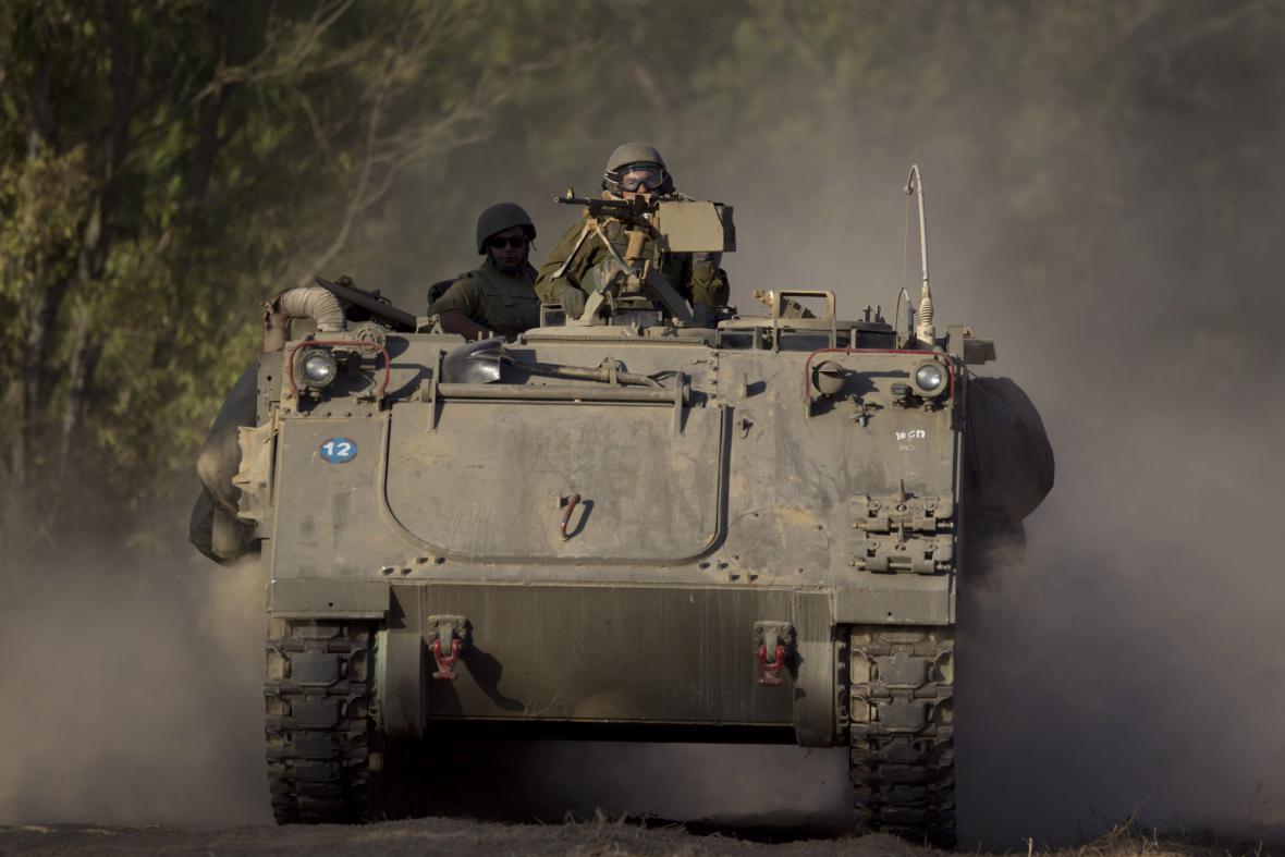 Izraelská armáda poblíž hranice s Pásmem Gazy