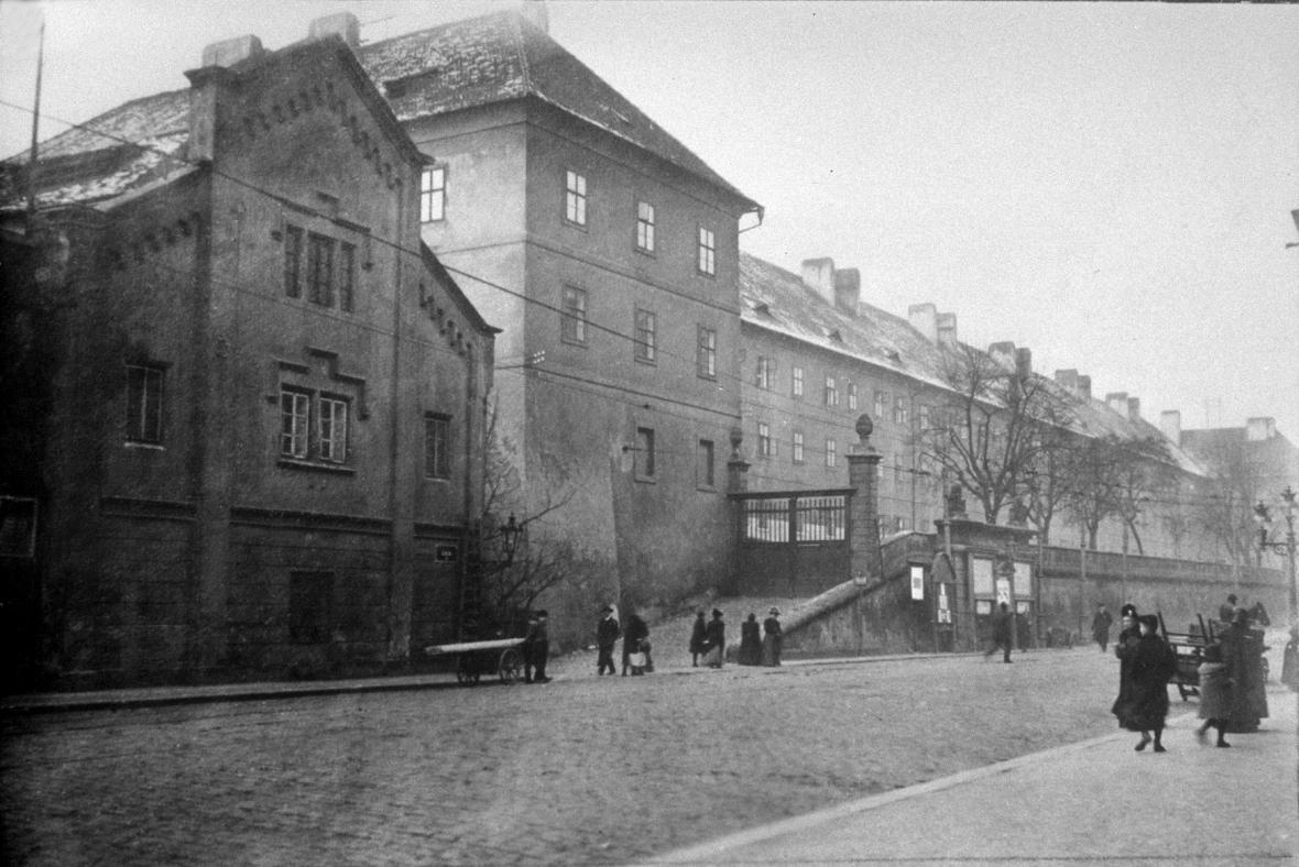 Újezdská kasárna v Praze