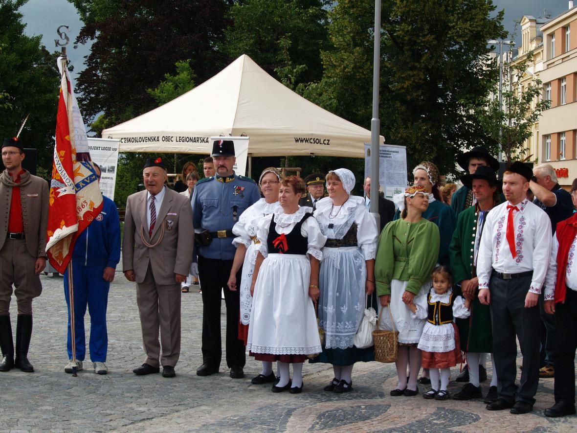 Slavnost u sochy legionáře v Mladé Boleslavi