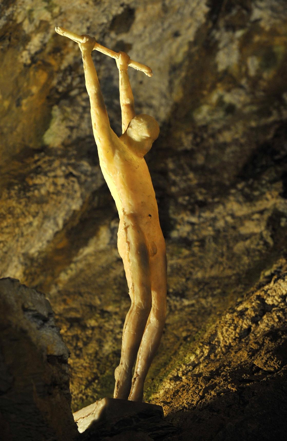 Výstava soch ve Zbrašovských jeskyních (2014)